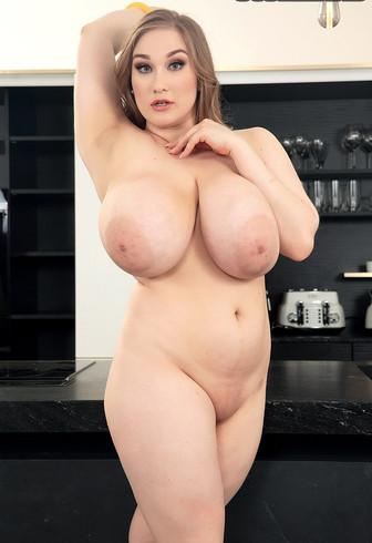 Kinky Fetish and BDSM Mistress BBW Escort Cheryl