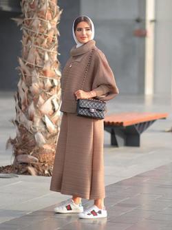 Turbaned Escort Girl Beyza