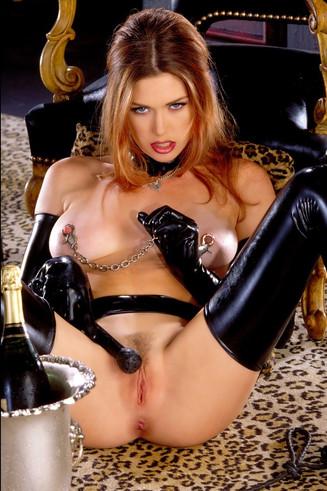 Russian Escort Girl Fetish and BDSM Mistress Heidi