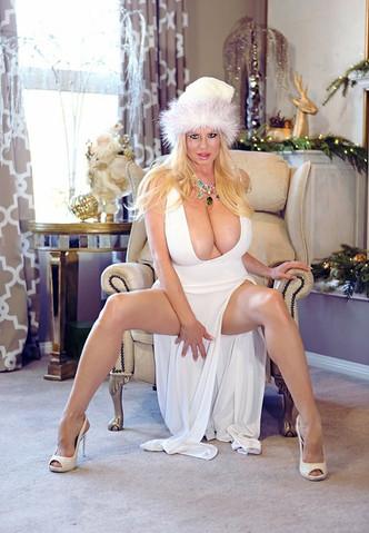 Porn Star Escort Kelly Madison