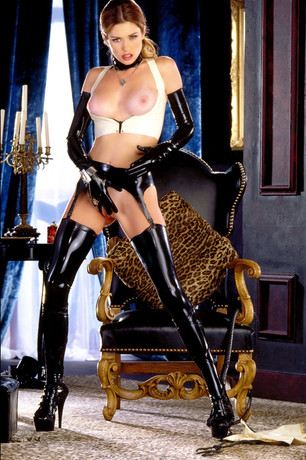 Fetish and BDSM Escort Mistress Heidi