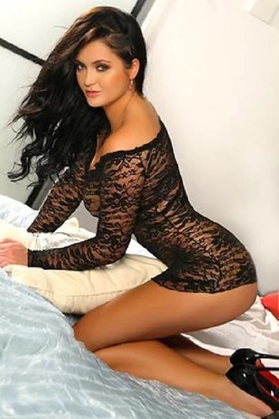 Brunette EscortGirl Viktoria