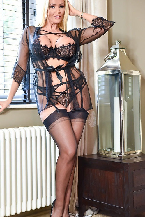 Mature Escort Lady Lucy Zara