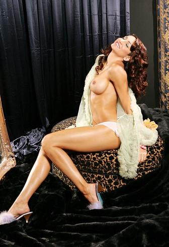 Busty Girl Escort Angela Taylor