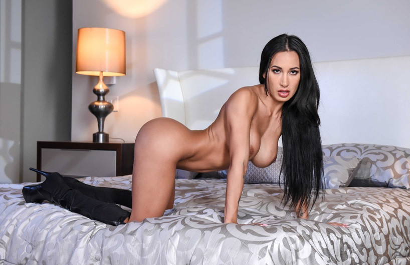 Russian Escort Girl Zara