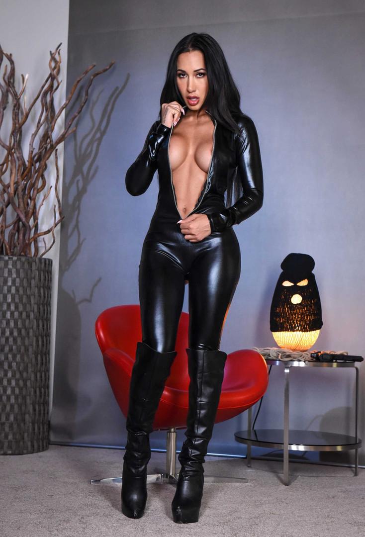 Mistress Zara