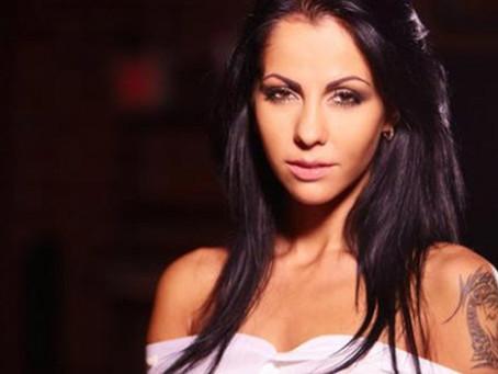 Eski porno yıldızı Elena Berkova Rusya'da seçimlere katılacak