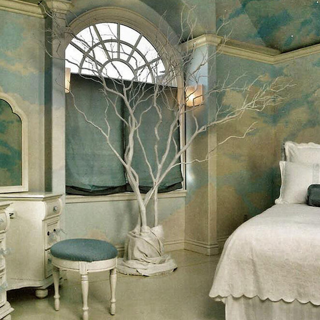 Wall and ceiling decoration bedroom by Alice Lenazt