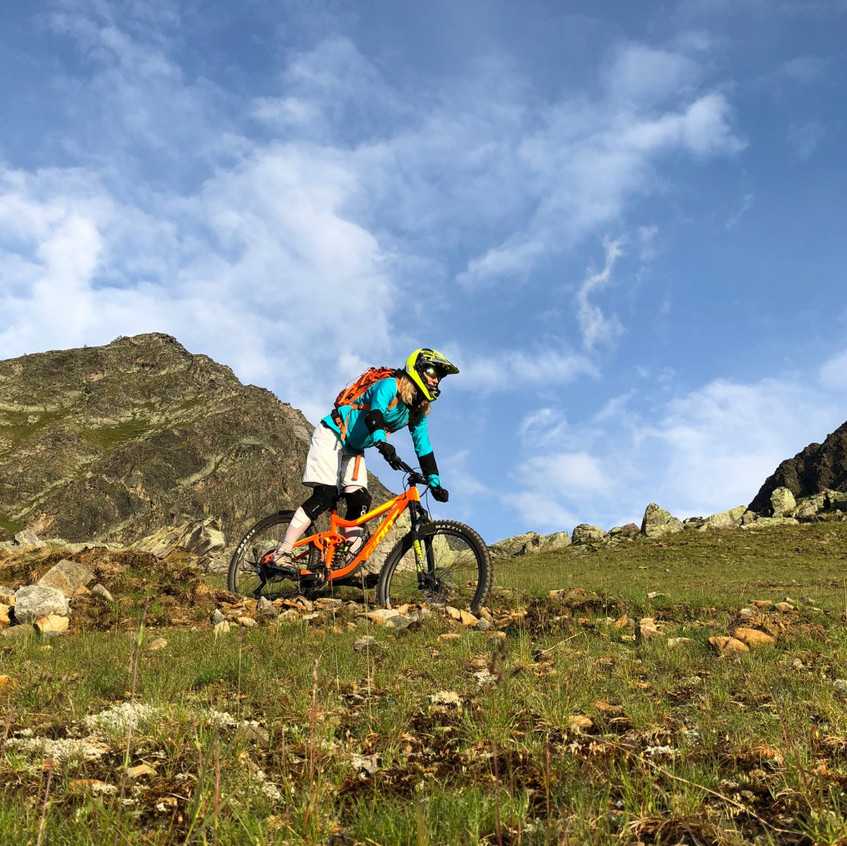Sunrise Downhill Tour Ollweite Line
