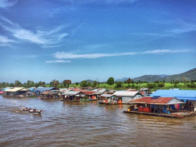 Floating Village Chnok Tru