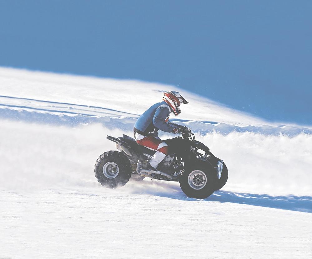 Quad im Winter - Bild: www.jochen-schweizer.de Jürgen Herr