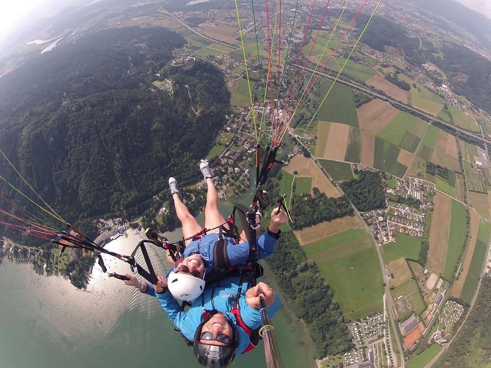 Gleitschirm fliegen zu zweit - Bild: www.jochen-schweizer.de