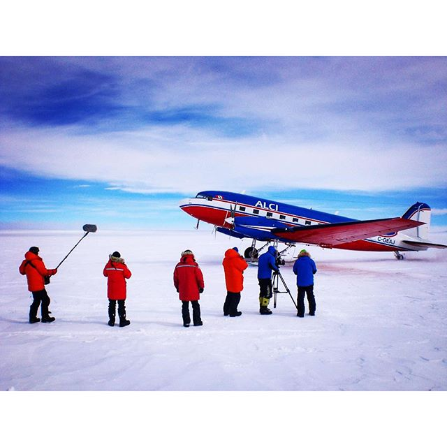 #racetothesouthpole in Dezember 2013 ..waiting for flight with the #Canadian #aircraft to our startpoint 400 km before #southpole.