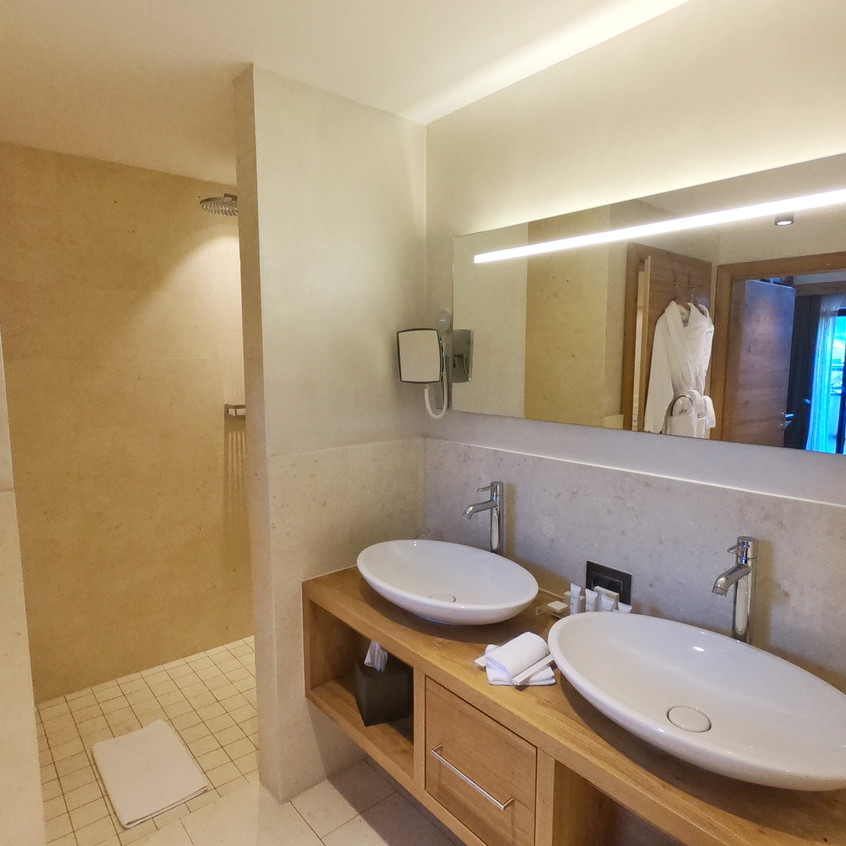Badezimmer in der Suite im Central