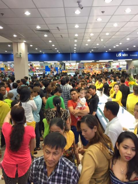 Supermarkteröffnung auf vietnamesisch