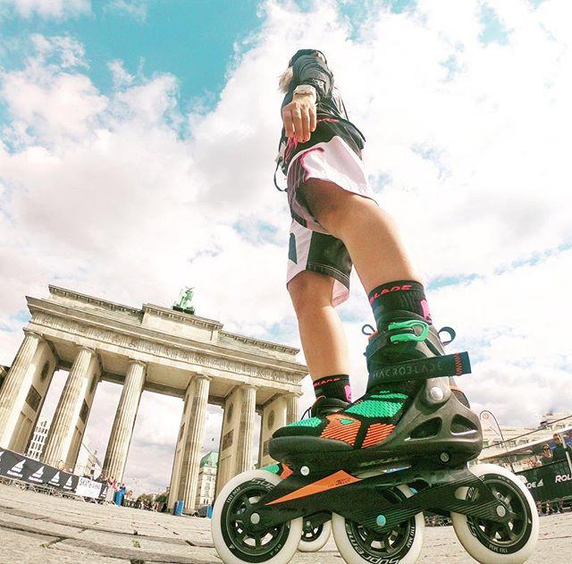 Mit den Rollerblade Inlineskates am Brandenburger Tor