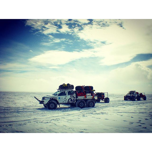 Start from Russian Novo Research Station in #antarctica to the Antarctic plateau for a five day acclimatization ..