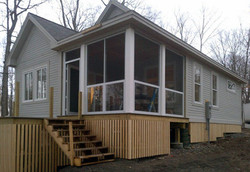 Screened-in-porch-with-glass-kick
