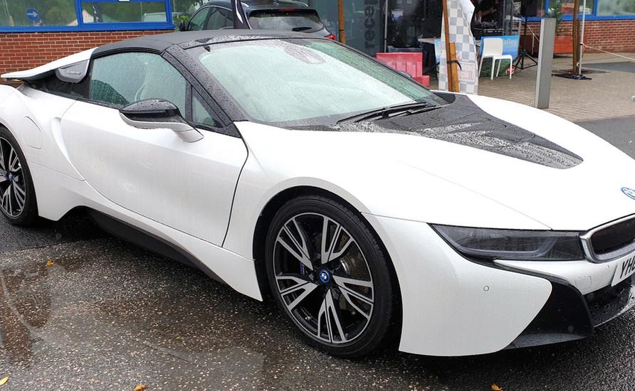 martin walker - Lloyds BMW I8.jpg