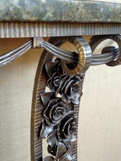 rose blossom table detail