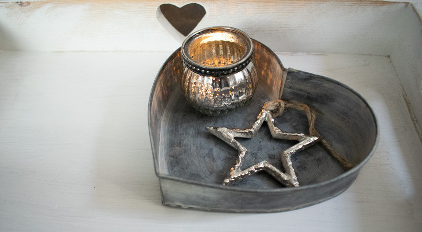 Heart Tray with Tealight and Star