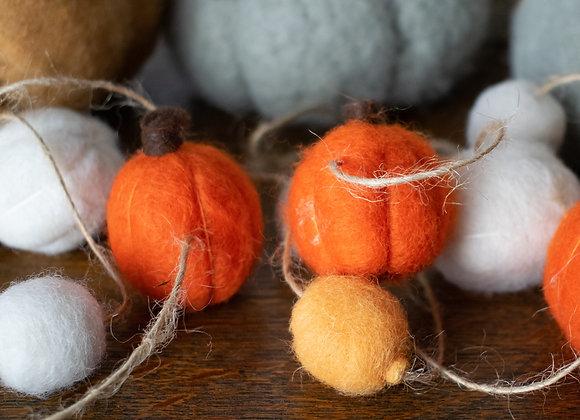 Wool Pumpkin Garland