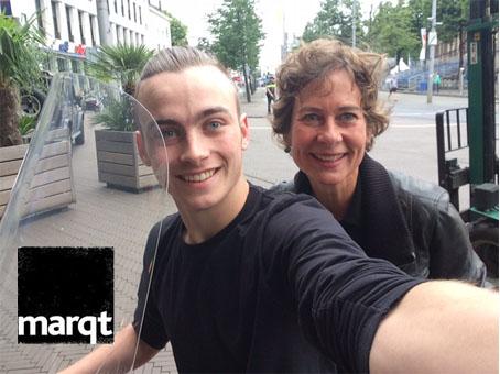 nse Dame worstenbroodje op veteranendag bij Marqt Den Haag