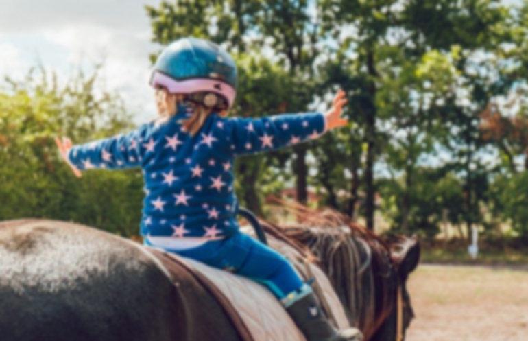 scuola di equitazione per bambini dai 3 anni di età
