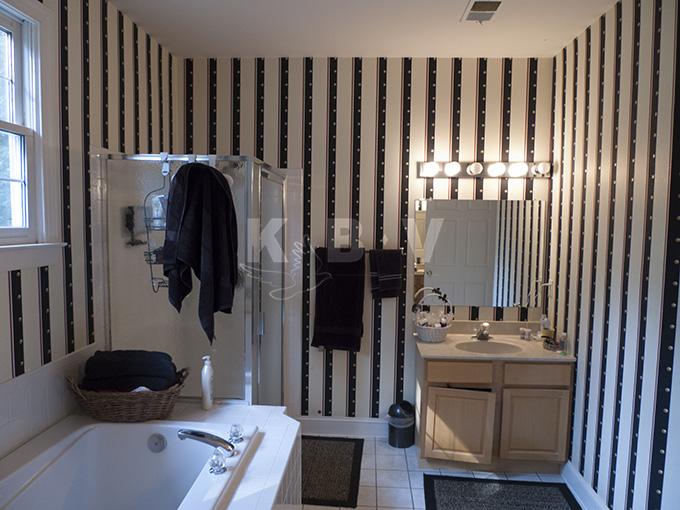Book Master Bedroom & Bathroom (1)