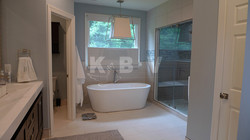 Book Master Bedroom & Bathroom (260)