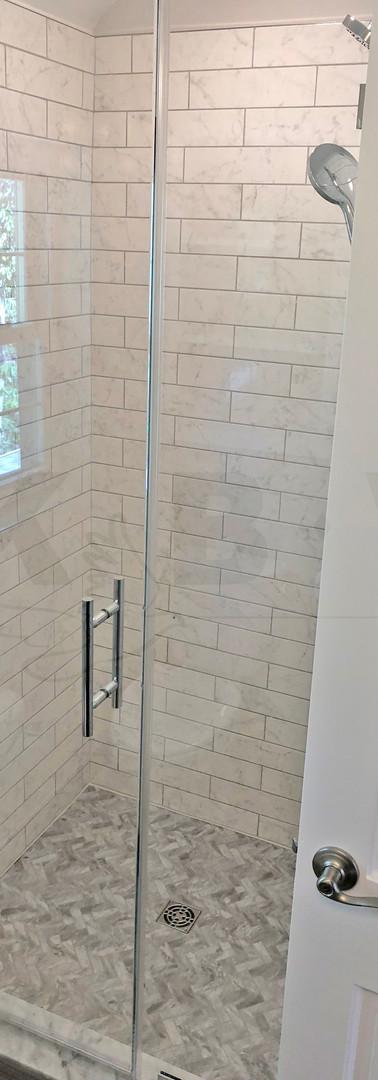 entrance shower 2.JPG