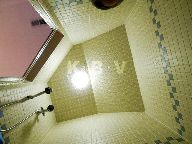 Coler Kitchen & 2 Bathroom Before Remodel_53