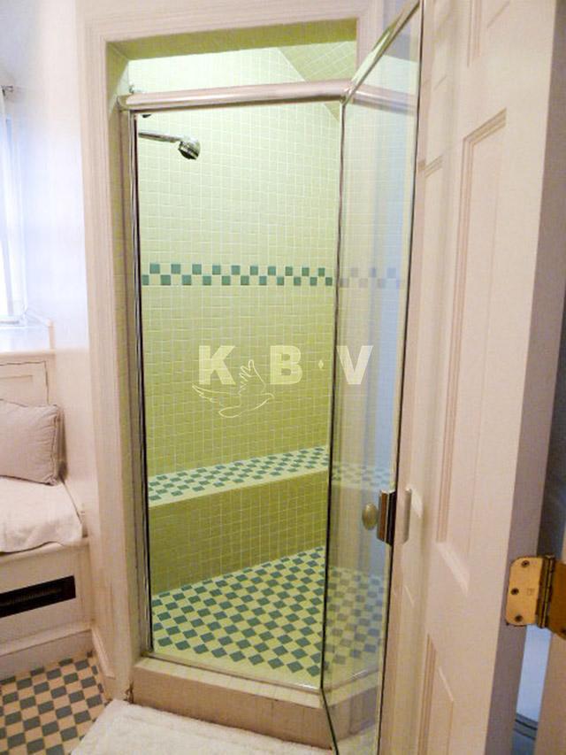 Coler Kitchen & 2 Bathroom Before Remodel_43