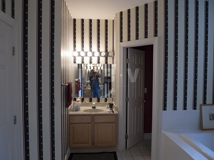 Book Master Bedroom & Bathroom (29)