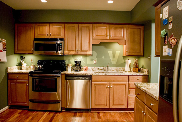 Roberts Kitchen After Remodel_4.jpg