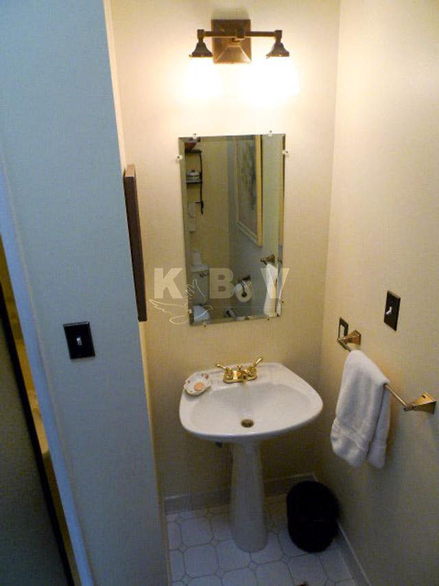 Coler Kitchen & 2 Bathroom Before Remodel_12