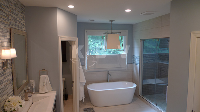 Book Master Bedroom & Bathroom (262)