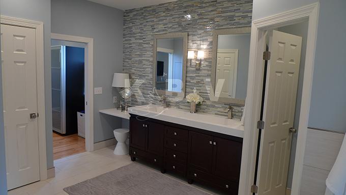 Book Master Bedroom & Bathroom (192)