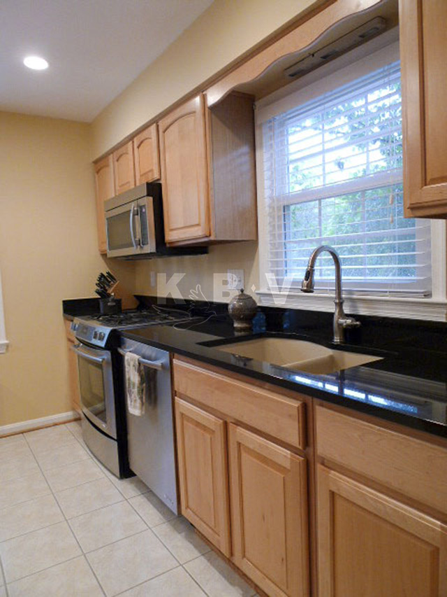 Garratt Kitchen After Remodel_25.jpg