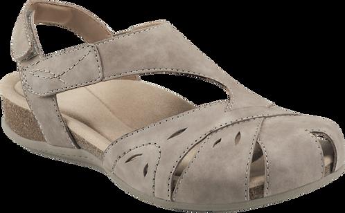 Earth Origins Birdine Closed-toe Sandals