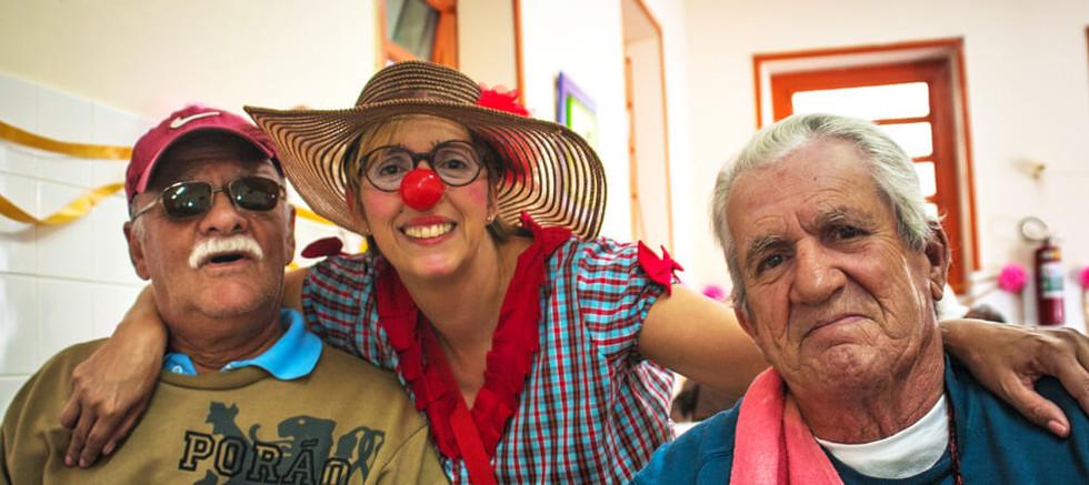 alegria idosos trabalho voluntario ação social