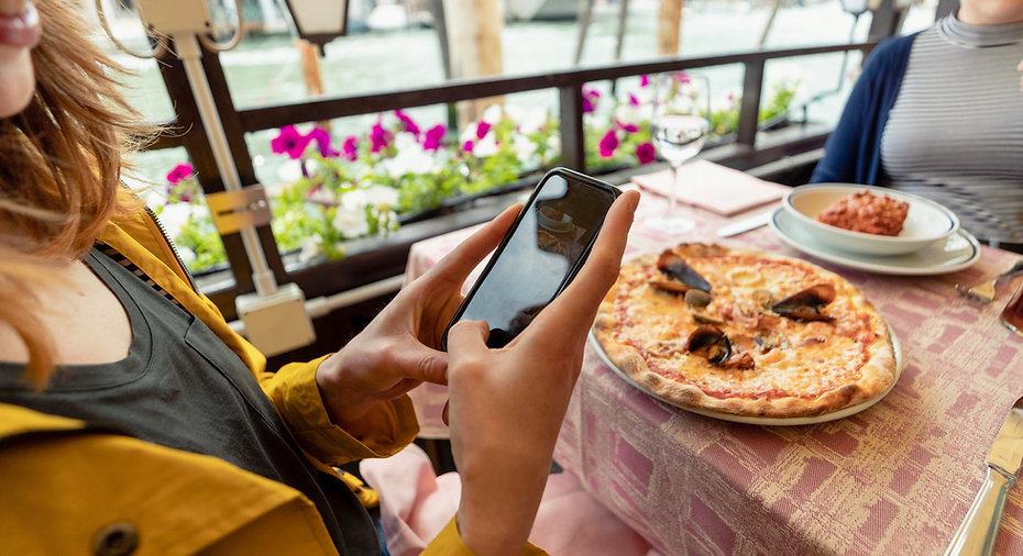 Pizza Restaurant_edited.jpg