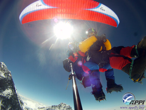 Babu and Lapka flying  around Everest.jp