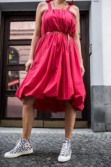 Souvenir červené šaty