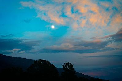 moon and mountzin sil.jpg
