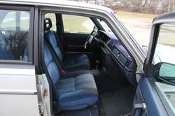 aVolvo Sedan 037