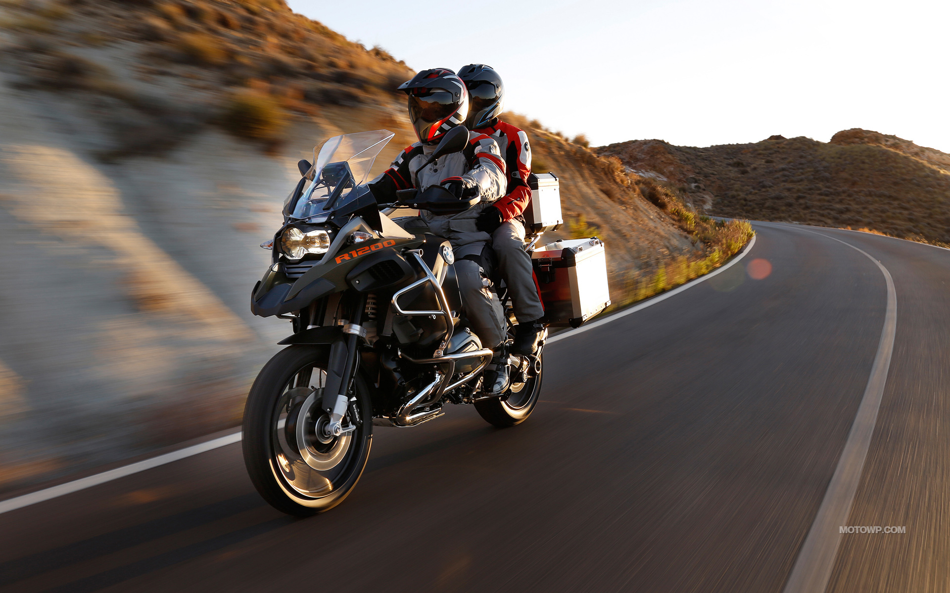 BMW-R-1200-GS-Adventure-2013-1920x1200-014
