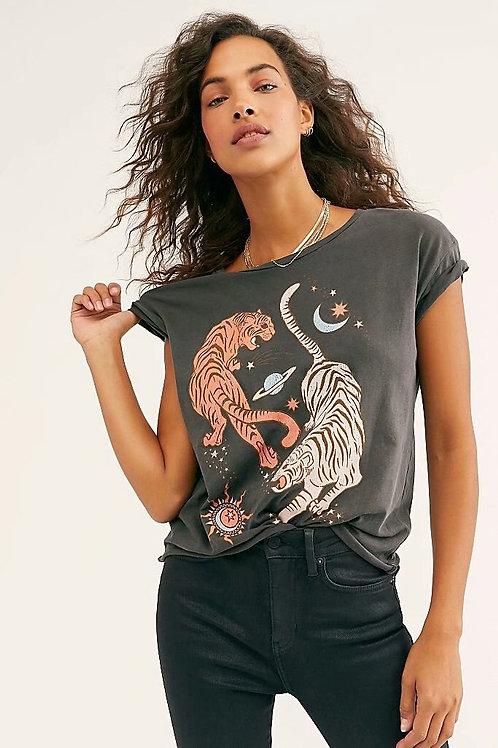 Boho Inspired Retro Tshirt Women Tigers Print Graphic Tees