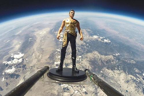 Mirror Kirk Statue