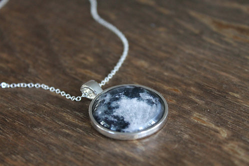 Full Moon Necklace (25mm)